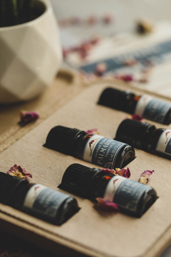 Essential Oils for Lovers