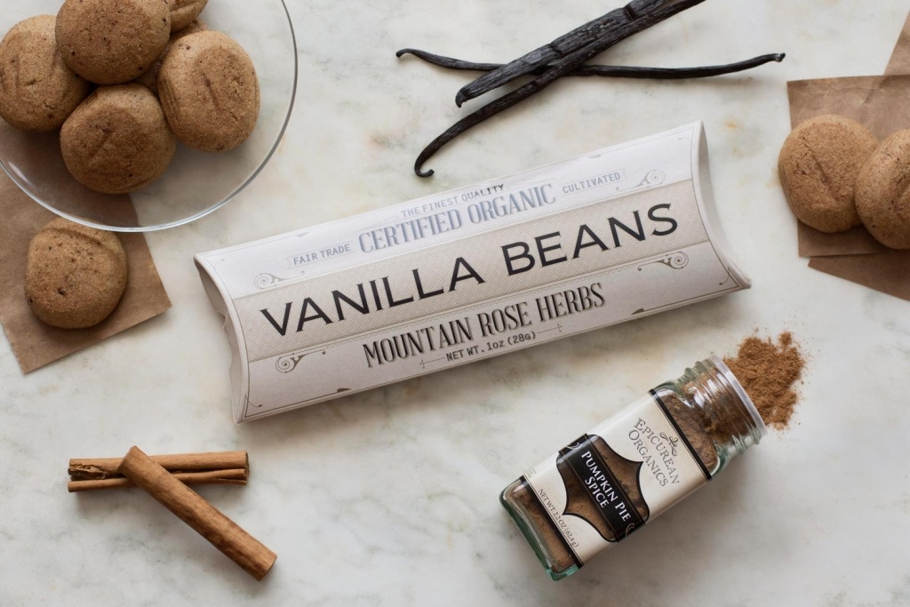 Mothers Day Gifts including vanilla bean and cinnamon sticks