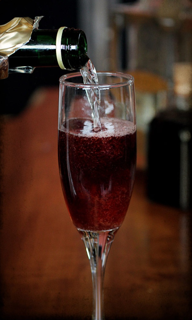 Elderberry Bubbly Cocktail in Glass Champage Flute