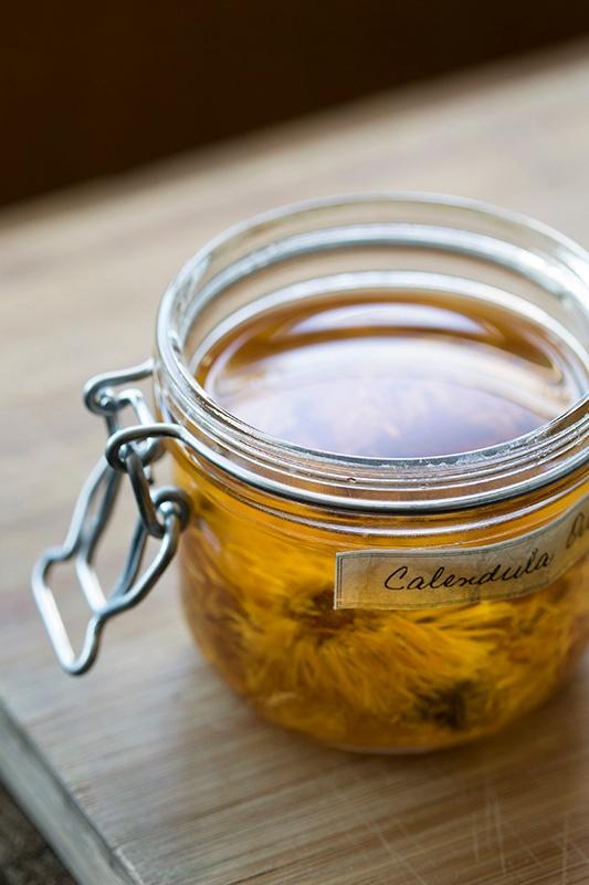 DIY: Solar Infused Herbal Oils