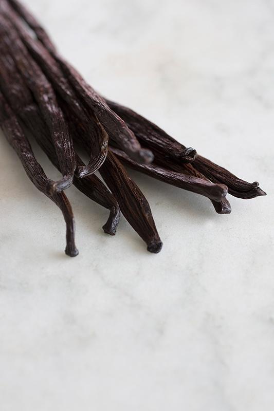 Easy Homemade Vanilla Extract Recipe