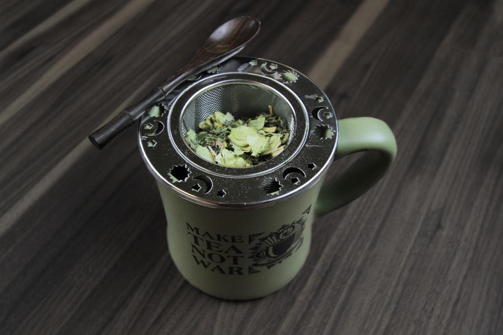 Hops & Tea in Make Tea Mug
