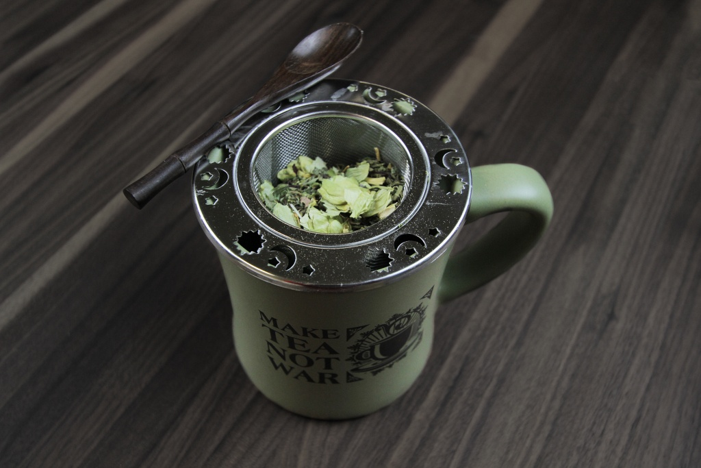 Hops & Tea in Make Tea Mug