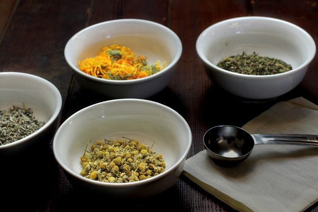 How to Make a Cooling Herbal Compress