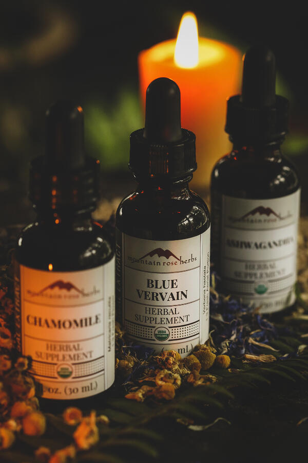 Chamomile, blue vervain, and ashwagandha extract