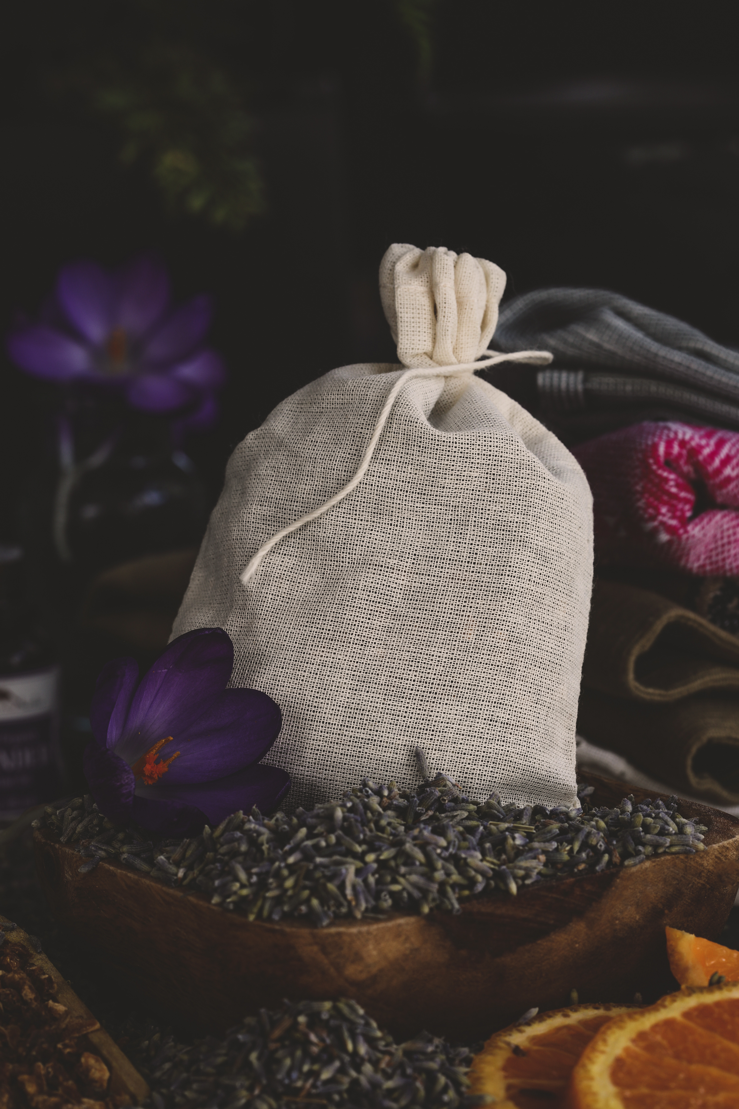 Cotton muslin bag with lavender.
