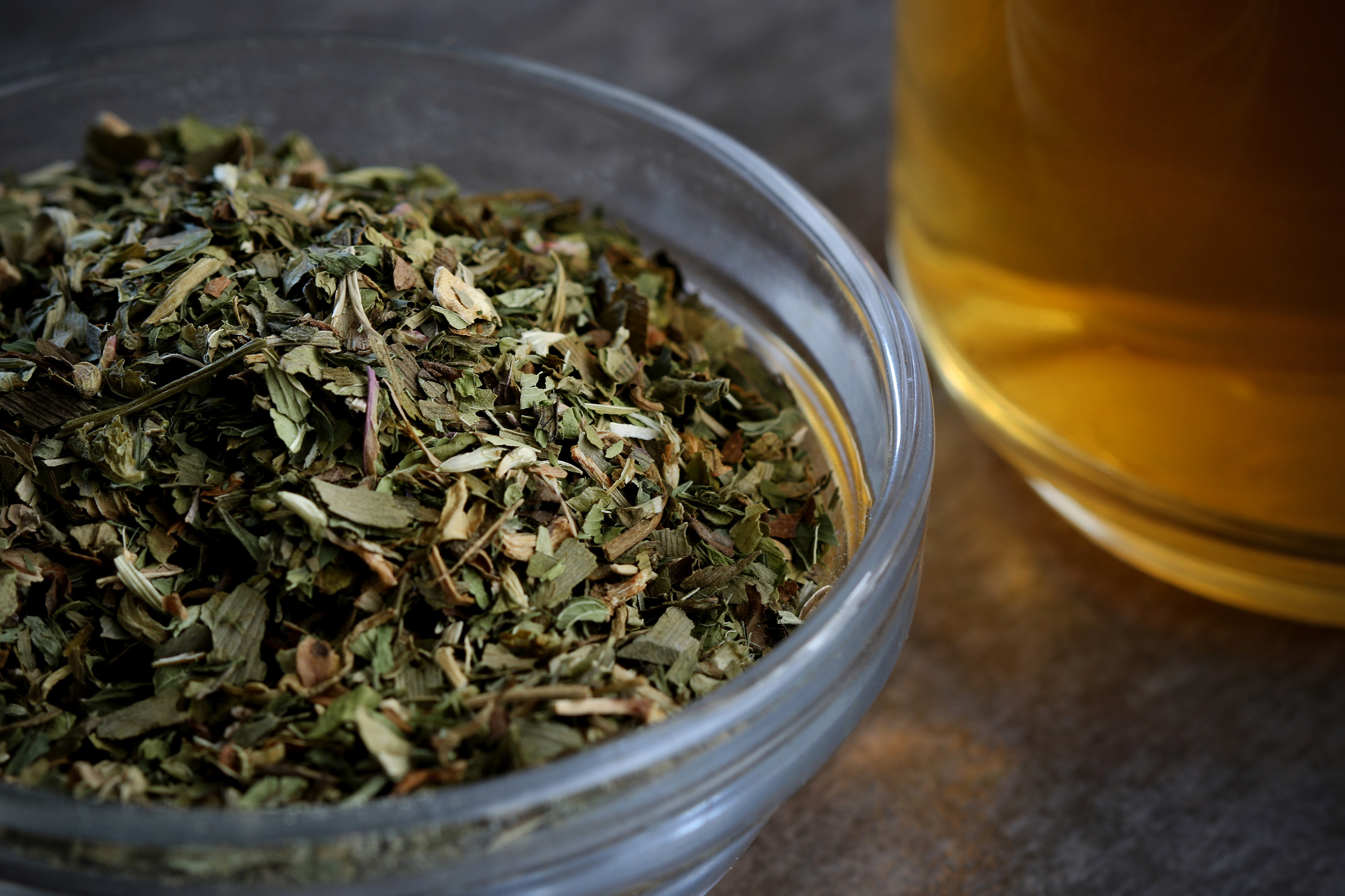 Memory zest tea is a blend of ginkgo biloba, ginger root, gotu kola, red clover herb, peppermint, and rosemary. It helps with memory and brain functioning, and taste minty too.