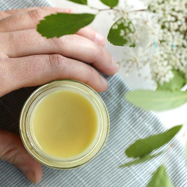 K-Beauty inspired homemade skin serum recipe with green tea extract.